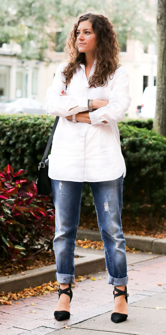 Casual Outfit combining a Boyfriend Shirt Boyfriend Jeans and strappy heels